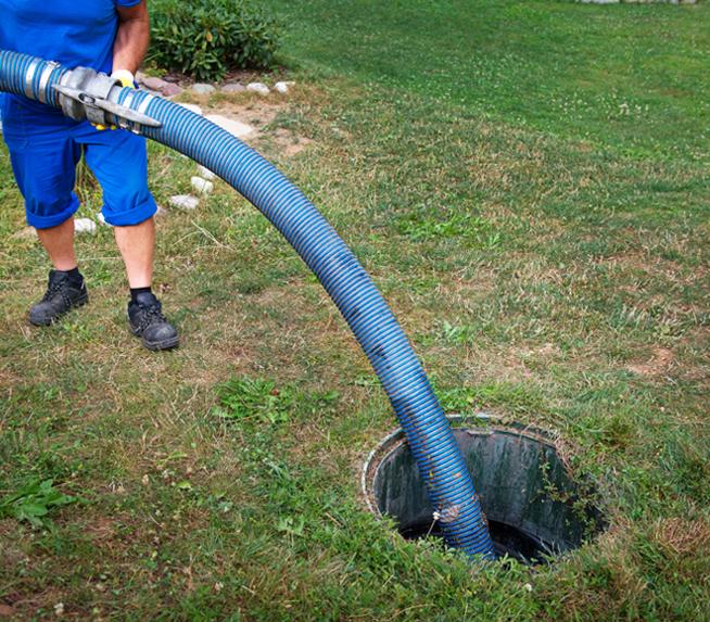 Limpeza e manutenção de fossas